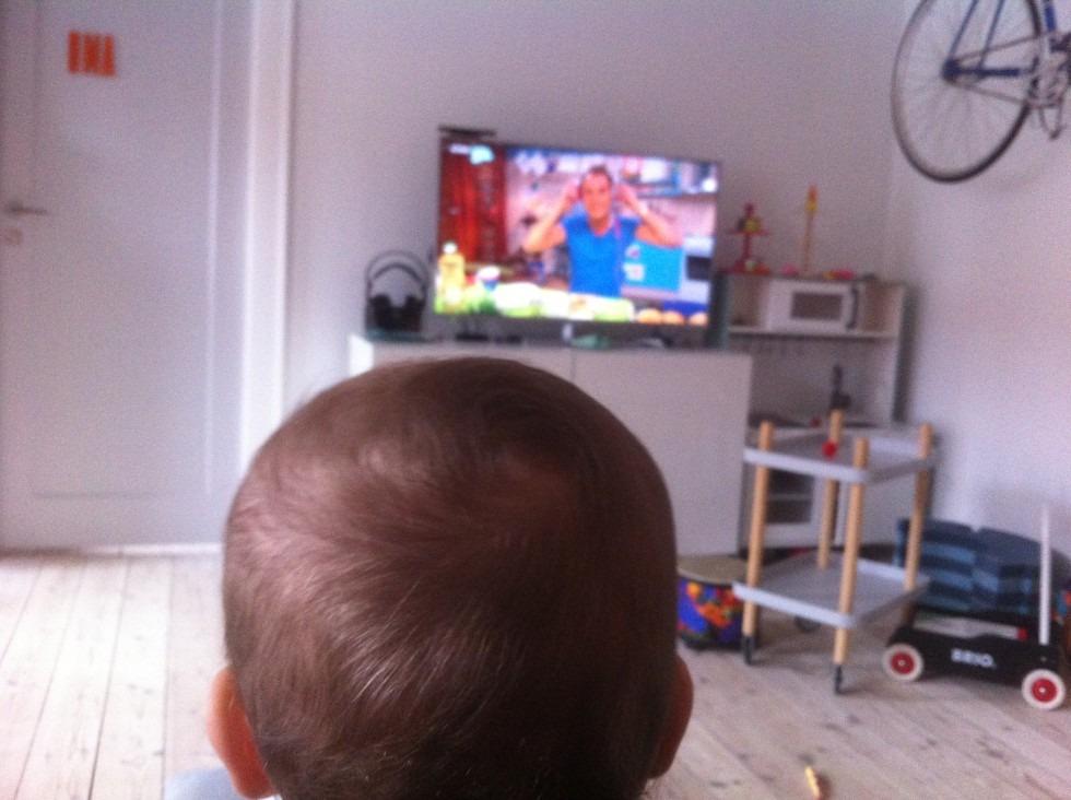 Små tv-narkomaner - om når børn ser (for) meget fjernsyn