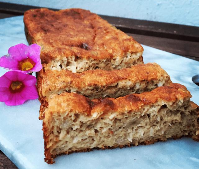 Bananbrød uden mel og sukker - perfekt til ostebordet!