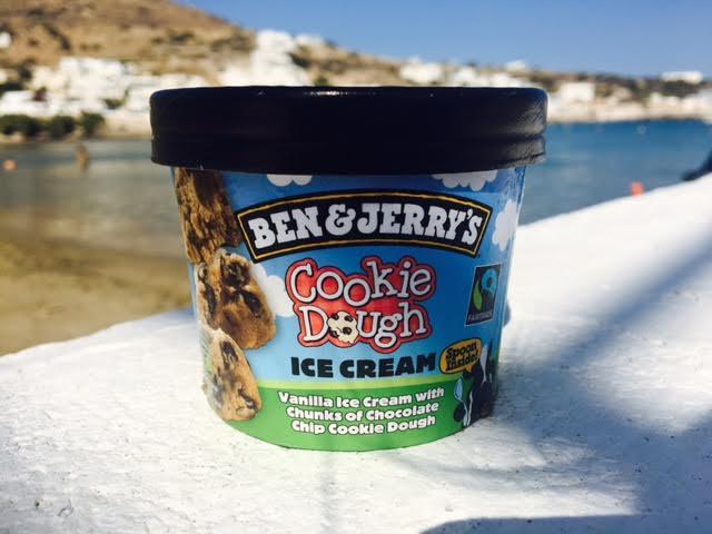 Hjemmelavet COOKIE DOUGH ICE CREAM uden mælk og sukker - slurp slurp!