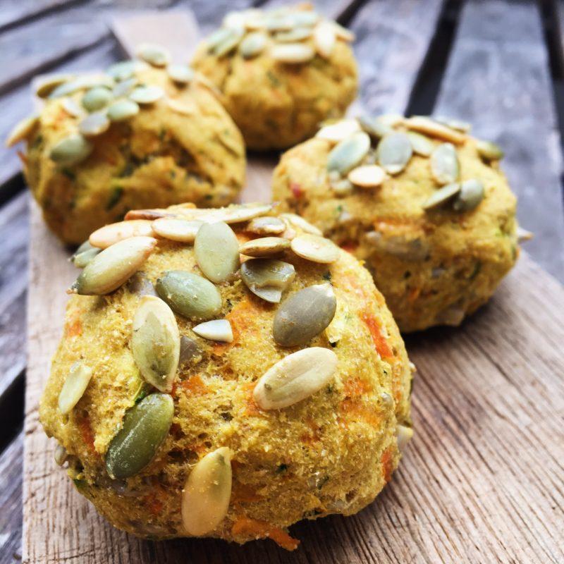 Super sunde og fiberrige græskarboller uden mel - Sydhavnsmor