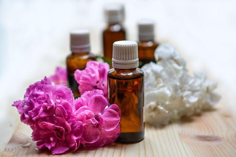 Lav nemt din egen naturlige parfume - Sydhavnsmor.dk