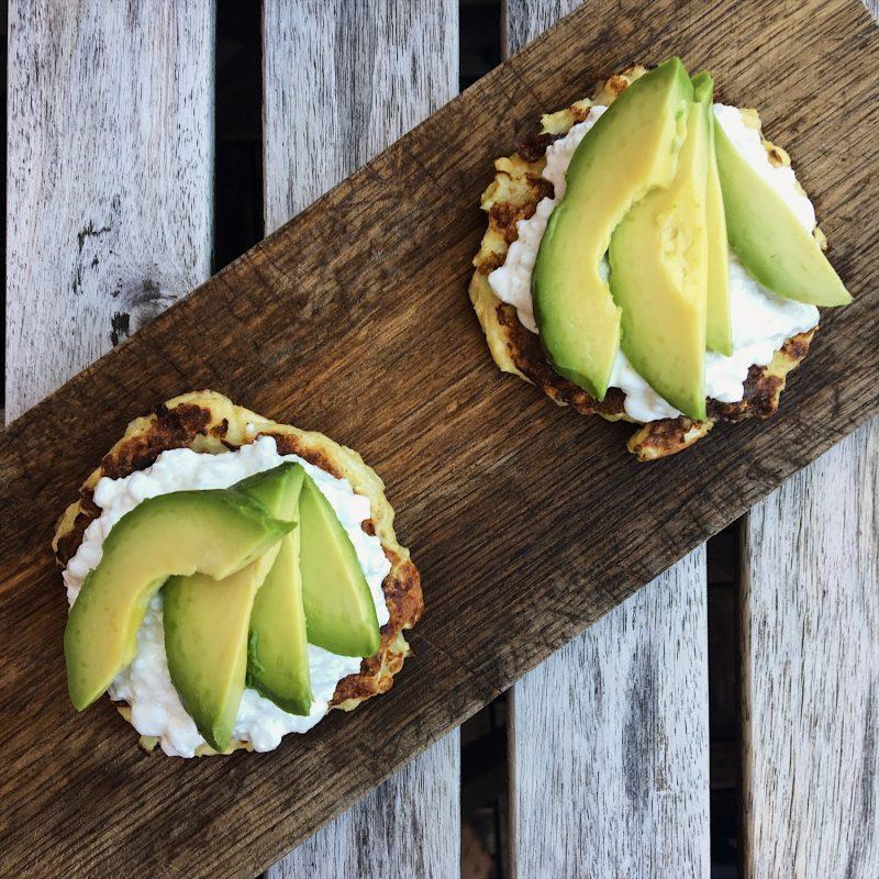 Fladbrød af 4 ingredienser: 50 kcal pr stk (glutenfri) - Sydhavnsmor.dk