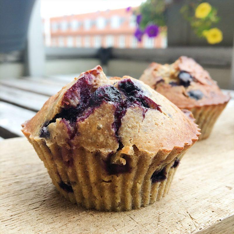 Proteinrige og mættende blåbærmuffins uden mel og sukker - Sydhavnsmor.dk