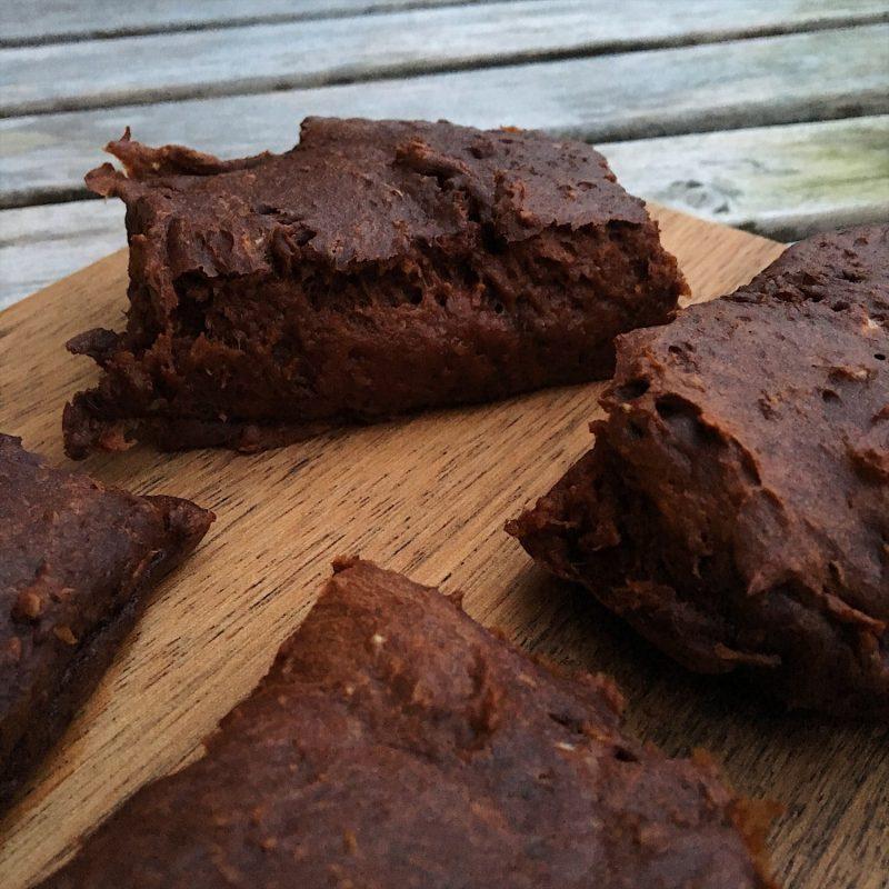 Slanke chokoladekage - et fuldt sundt måltid i en kage (gluten- og sukkerfri)
