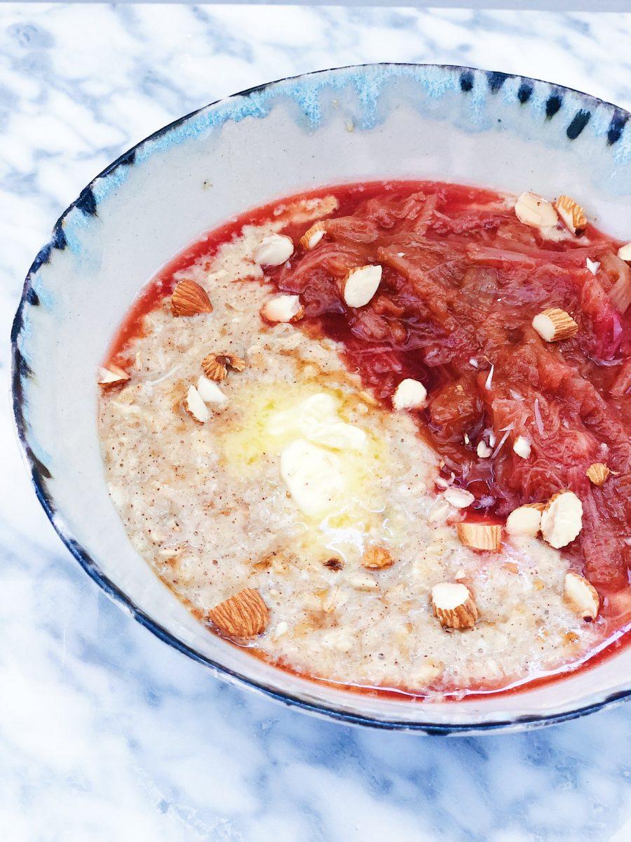 Sense morgengrød med rabarber - et fuldt, sundt måltid