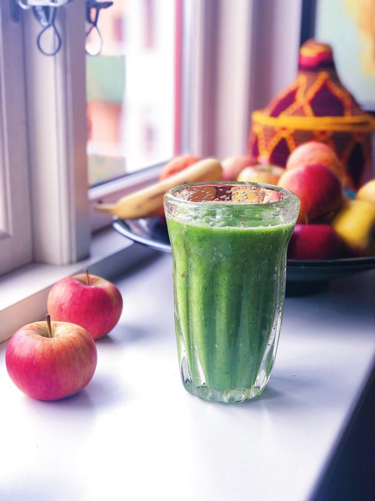 Grøn hverdagssmoothie - min favorit! (114 kcal)