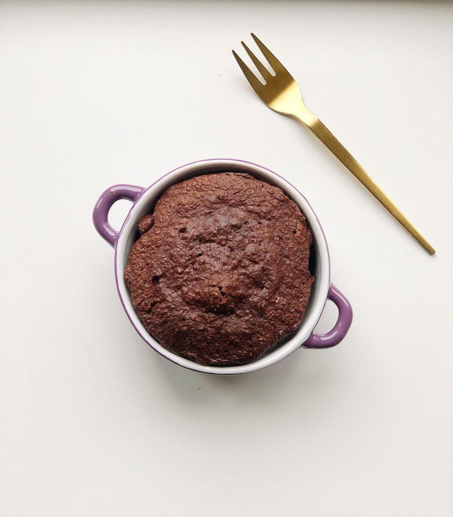 Chokoladekage i kop på halvandet minut! - Glutenfri og sukkerfri