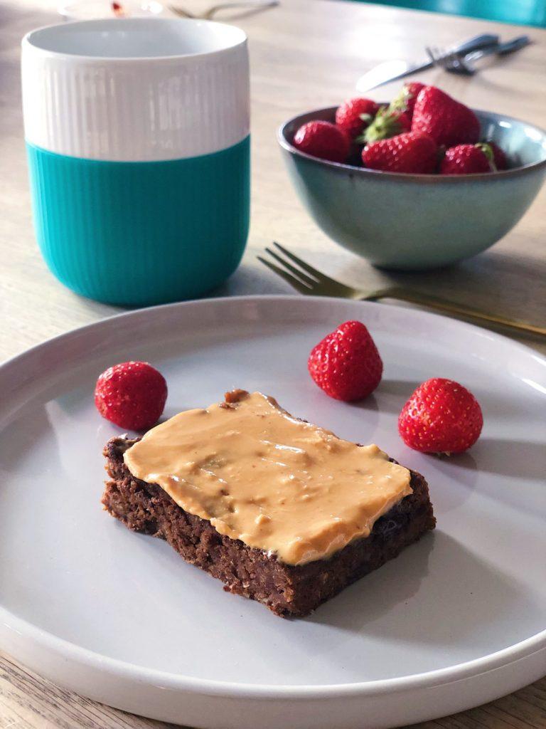 Peanutbutter brownie med kikærter (glutenfri og sukkerfri)