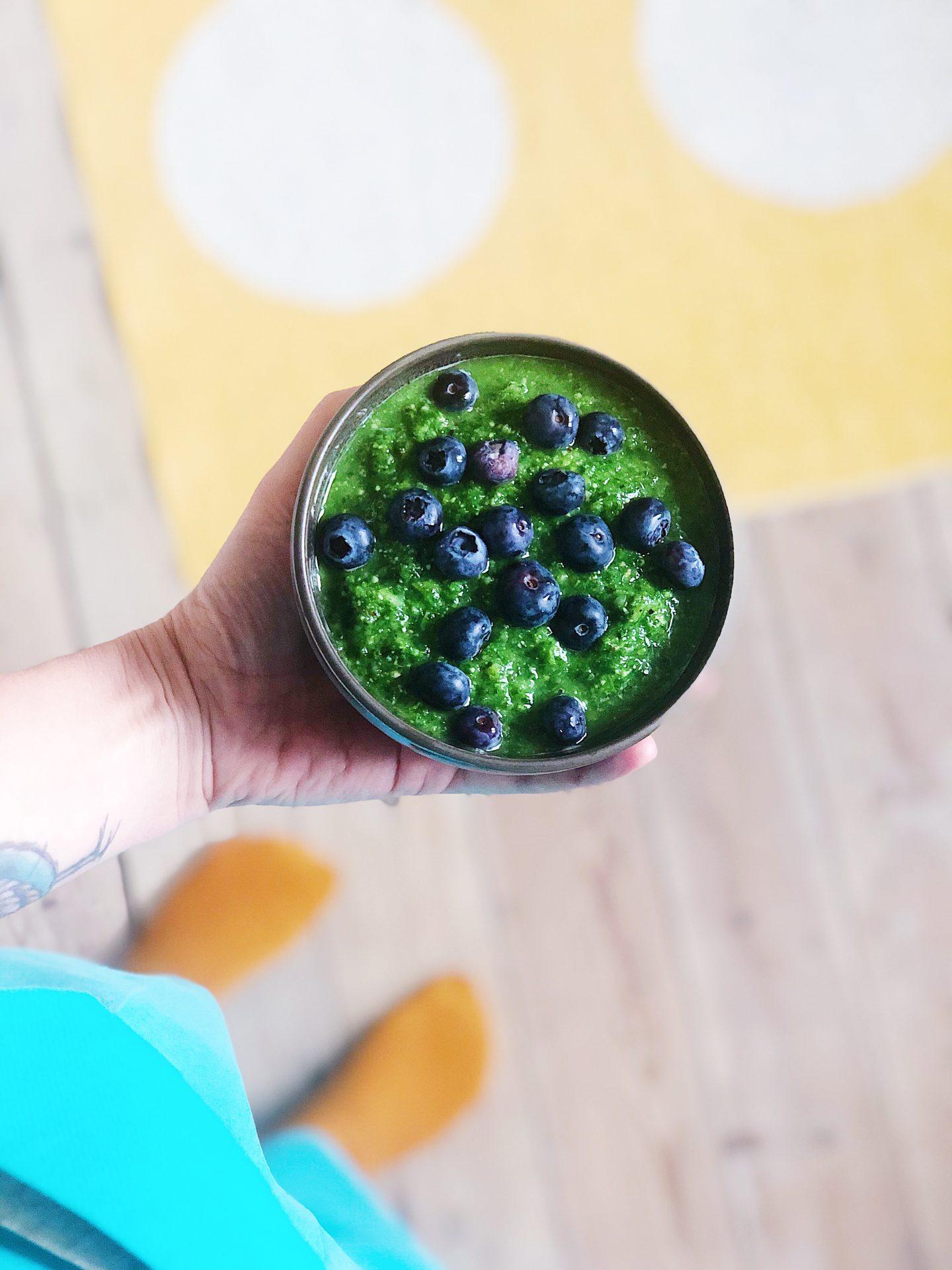 grøn mættende protein smoothie