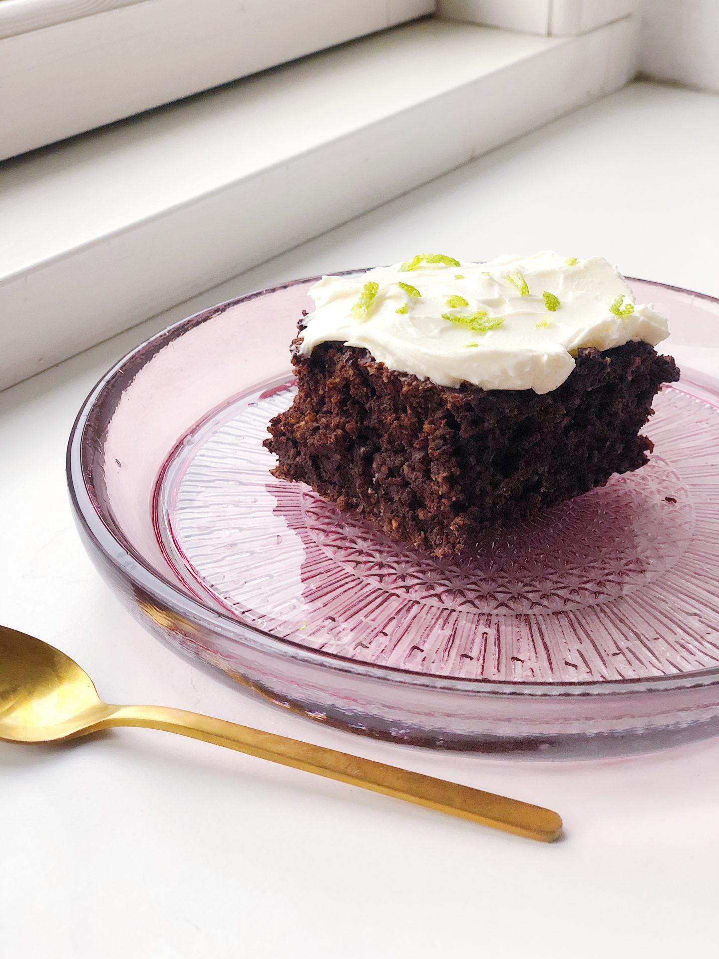glutenfri chokoladekage med aubergine